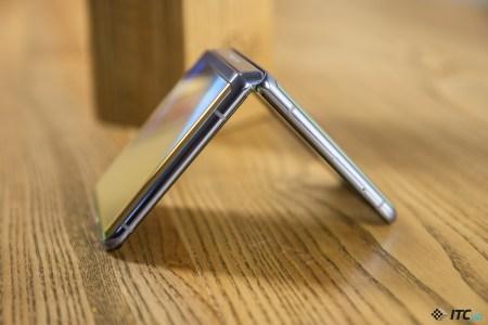 Складной смартфон Samsung Galaxy Z Flip3 получит процессор среднего уровня и более доступную цену