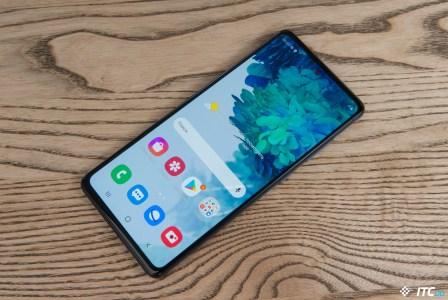 СМИ: впервые за девять лет Samsung не сможет реализовать 300 млн мобильных телефонов по итогам года