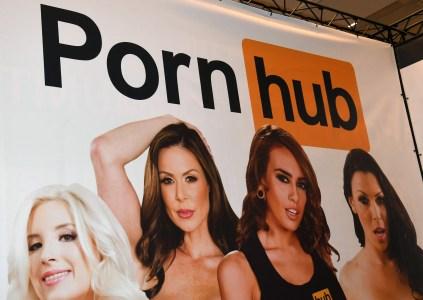 Всё пропало: Вслед за изменением правил ресурс PornHub убрал все ролики от неверифицированных пользователей