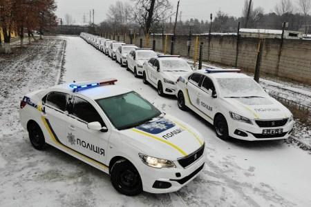 Украинские силовики обновили автопарк: Полиция получила Peugeot 301, Нацгвардия — Toyota Land Cruiser 79, Армия — Humvee и Land Rover