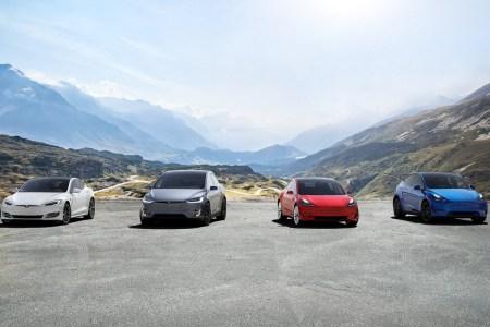Tesla впервые в истории отчиталась о прибыли по итогам года и вышла на производственные мощности в 1,05 миллиона машин в год. Главное из отчета
