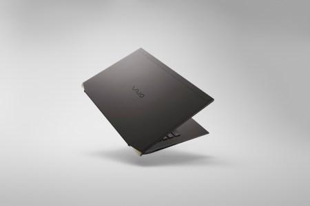 Vaio Z — самый легкий в мире ноутбук с CPU Core 11-го поколения (Tiger Lake-H). Но стоит он целых 3 579 долларов