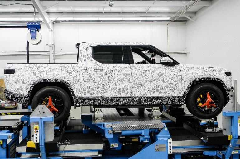 Bloomberg: Американский производитель электромобилей Rivian подыскивает место для европейской фабрики (пока в лидерах Великобритания, Германия и Венгрия)