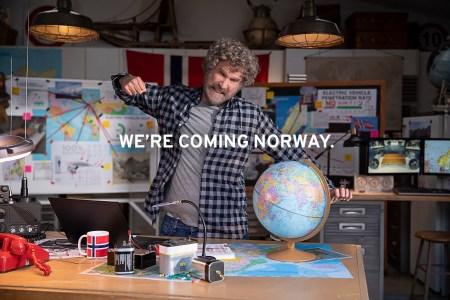 GM снял рекламу электромобилей «No way, Norway» с комиком Уиллом Ферреллом (там показывают Cadillac Lyriq и GMC Hummer EV)