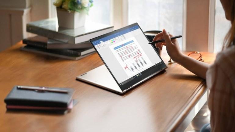 Lenovo презентувала в Україні ноутбук ThinkPad X1 Fold із складним екраном за ціною від 124,6 тис. грн