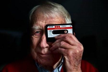 Умер изобретатель аудиокассеты Лу Оттенс