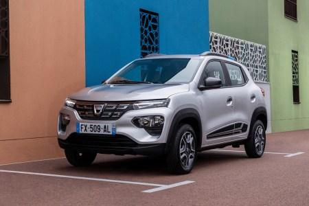 Официально: Бюджетный электрокроссовер Dacia Spring с запасом хода 300 км будет стоить в Европе от 16,9 тыс. евро без учета льгот (во Франции ценник стартует с 12,4 тыс. евро)
