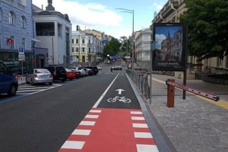 КМДА: Цього року буде суттєво розширена велосипедна інфраструктура Києва, та встановлено 800 велопарковок (перелік нових велосмуг)