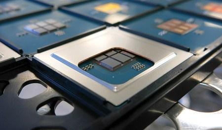 Intel может прибегнуть к ребрендингу своих литографических технологий, чтобы поравняться с конкурентами