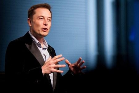 Илон Маск утверждает, что автопилот Tesla не был включен в недавнем смертельном ДТП с Model S, которая ехала без людей за рулем