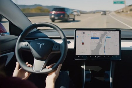 Илон Маск: автомобили Tesla с Autopilot теперь попадают в аварии почти в 10 раз реже, чем обычные