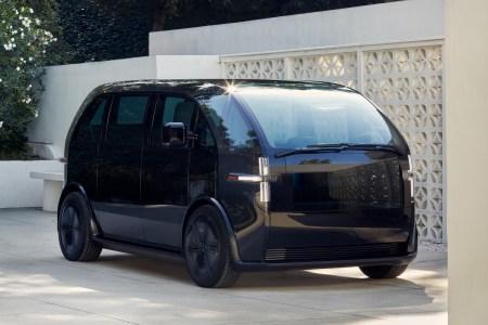 Американский стартап Canoo открыл предзаказы сразу на три электромобиля и объявил стоимость минивэна Lifestyle Vehicle — от $34,750 до $49,950