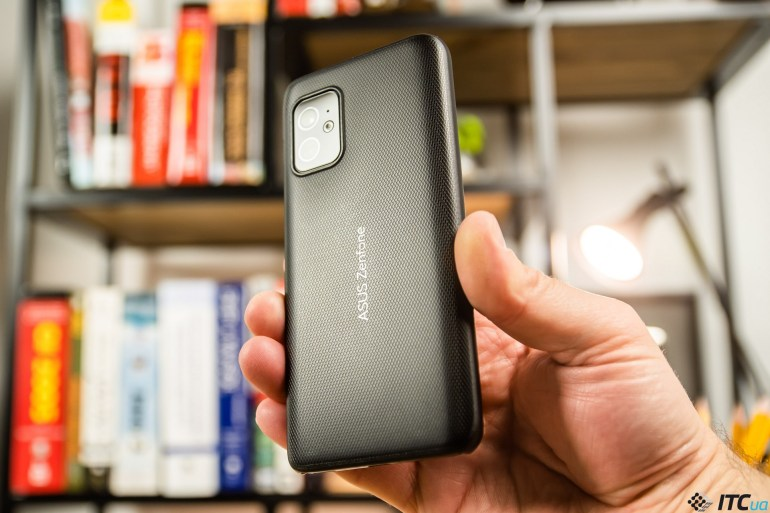 Обзор ASUS Zenfone 8: флагман, который мы заслужили