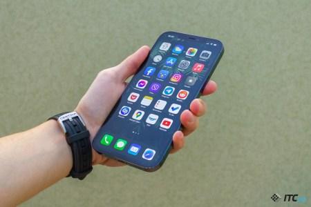 Рынок смартфонов в минувшем квартале показал лучший старт — продажи превысили 100 миллиардов долларов. Из них 42% пришлось на Apple