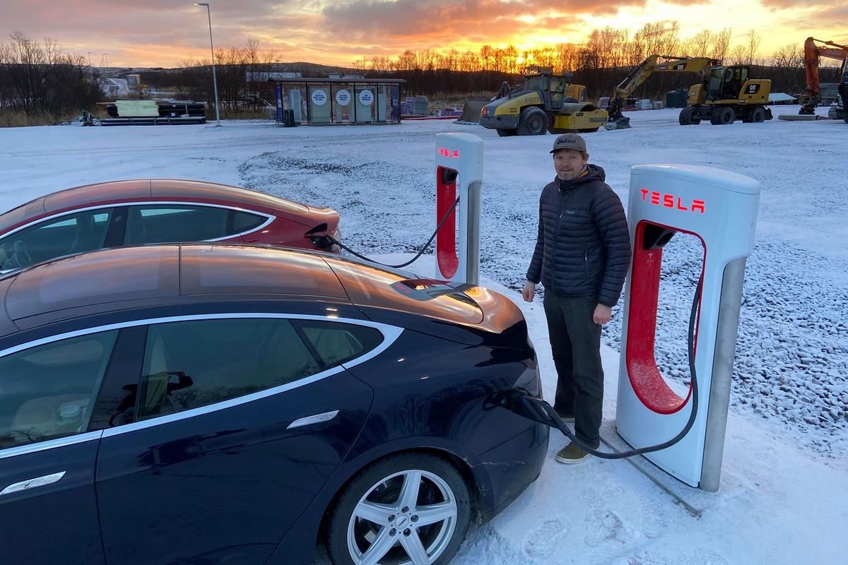 Суд Норвегии обязал Tesla выплатить по 16 тысяч долларов владельцам электромобилей по делу о троттлинге скорости зарядки батарей - ITC.ua