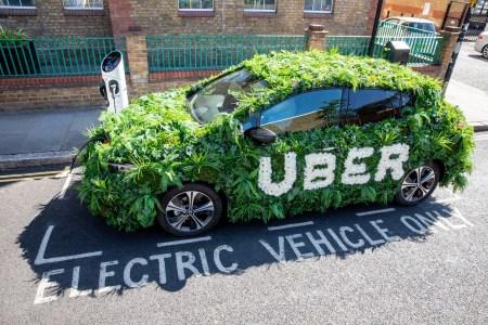 Електромобілі на платформі Uber в Україні вже проїхали більше 15 млн км
