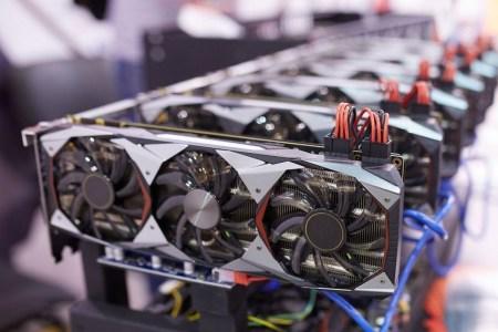 3DCenter: видеокарты AMD и NVIDIA дешевеют, а их предложение растет