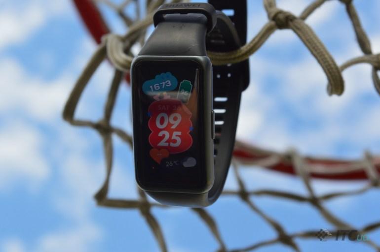 Обзор фитнес-трекера Huawei Band 6