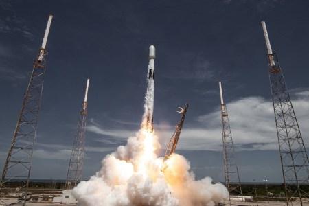 SpaceX идет на рекорд — нацеливается на 20 запусков Falcon 9 за первое полугодие 2021 года