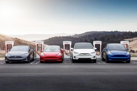 Илон Маск объяснил, почему автомобили Tesla дорожают — из-за «ценового давления в цепочке поставок» (в особенности полупроводников)