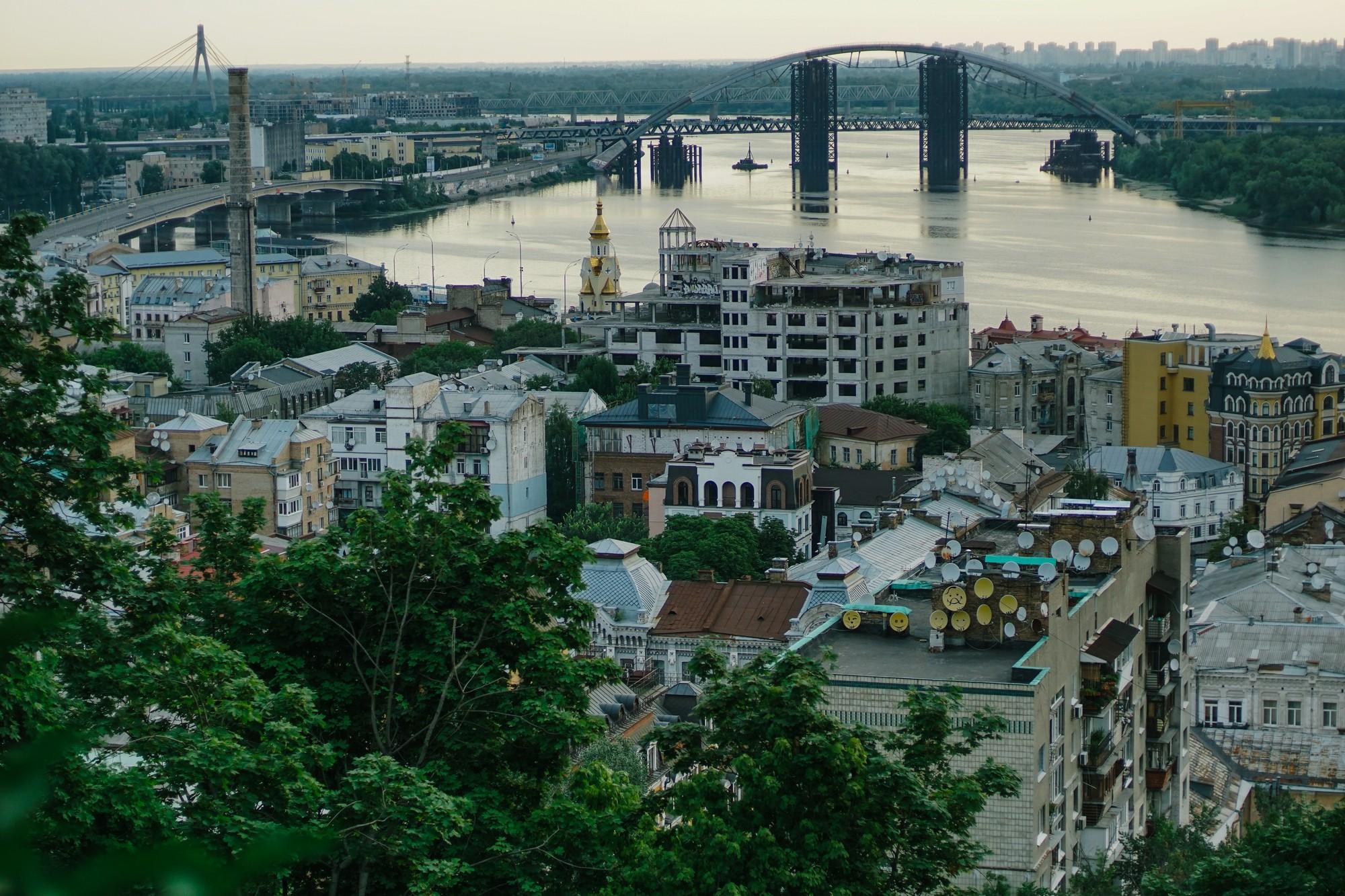 «Укртрансбуд» пропонує побудувати через увесь Київ двоярусну платну ес