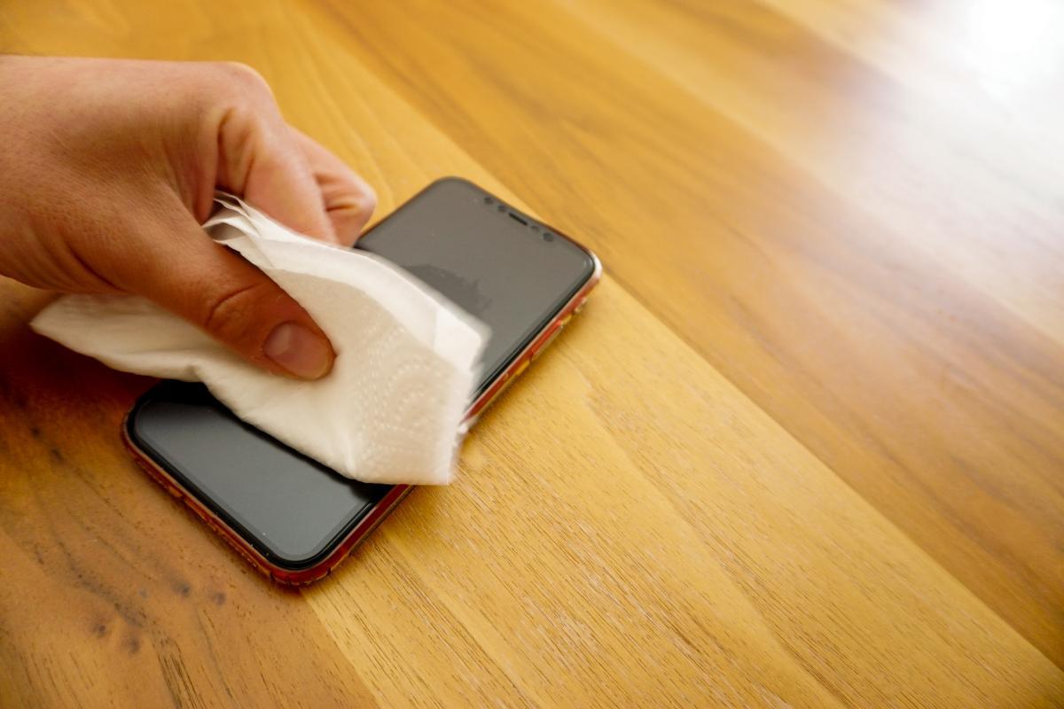 Apple застерегла від використання дезінфекційних засобів для чищення техніки та її занурення в мийні засоби - ITC.ua