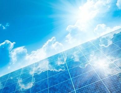Tesla создала солнечную панель мощностью 420 Вт – одну из самых мощных на рынке