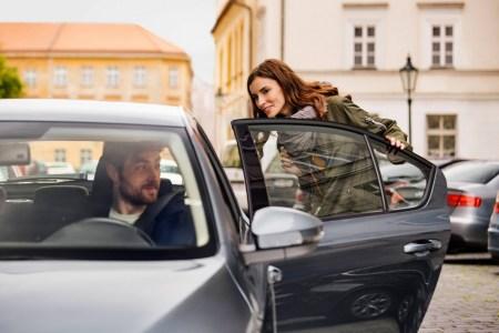 Uber повышает тарифы на поездки в Украине, водители сервиса уже получили письма с обновленными расценками