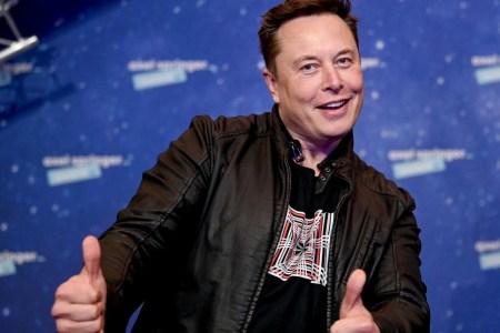 Илон Маск: «Джефф Безос ушел в отставку, чтобы работать на полный рабочий день над исками против SpaceX»