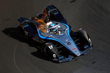 После победы в чемпионате Formula E (2020/2021) Mercedes заявил, что покинет гоночную серию уже в следующем году