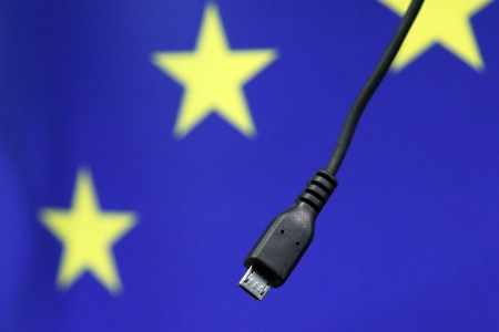 Евросоюз не оставляет попыток стандартизировать зарядку для мобильных устройств — и готовит новый законопроект