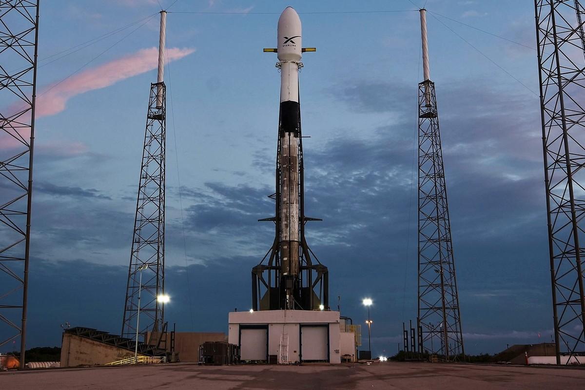 SpaceX запустила на полярную орбиту обновленные интернет-спутники Starlink с лазерной связью - ITC.ua