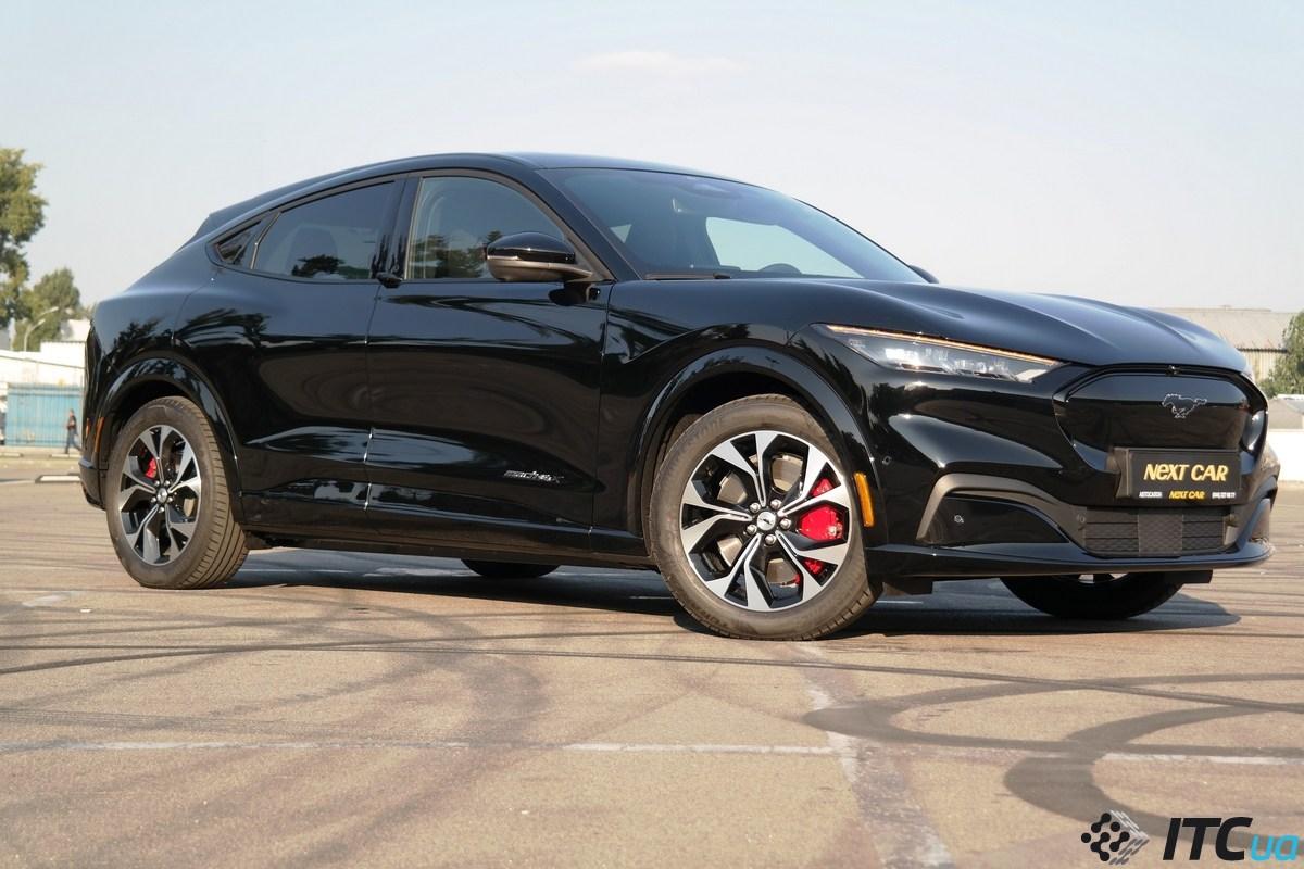 Ford высмеивал Tesla за «проблемы» с отклеивающейся крышей — а теперь отзывает 1 812 электрокроссоверов Mach-E по той же причине (и еще 3 178 штук из-за риска отделения лобового стекла) - ITC.ua