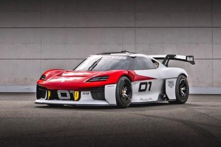 Загадочным электрическим концептом Porsche оказался кубковый спорткар Mission R с двумя двигателями мощностью 1100 л.с., разгоном до «сотни» за 2,5 сек и батареей на 80 кВтч