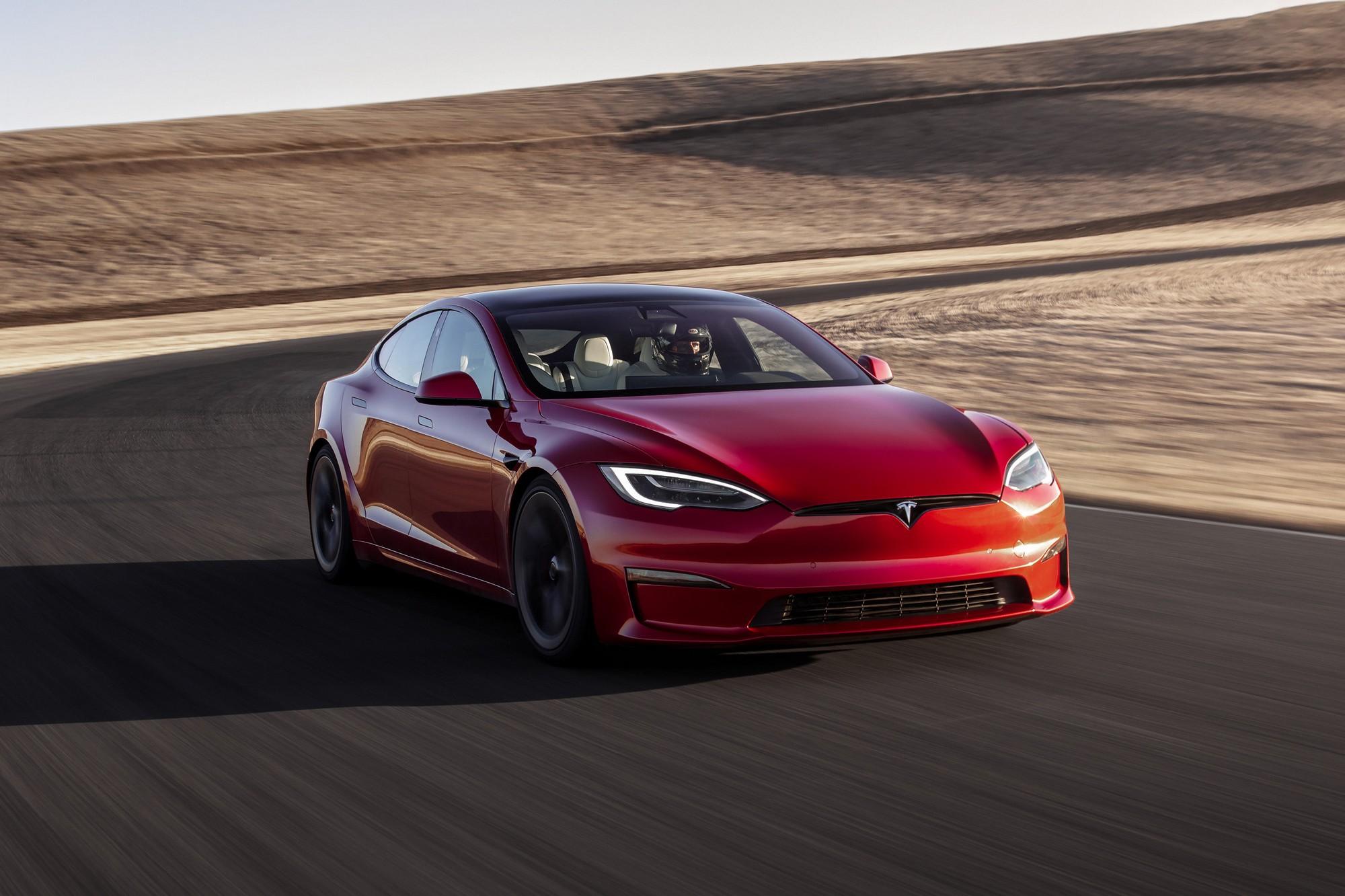 Tesla Model S Plaid установил новый рекорд трассы Нюрбургринг для серийных электромобилей, пройдя круг за 7:30 со средней скоростью 166 км/ч [видео] - ITC.ua
