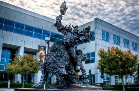 Комиссия по ценным бумагам и биржам США также проводит расследование в отношении Activision Blizzard, которая потеряла своего главного юрисконсульта
