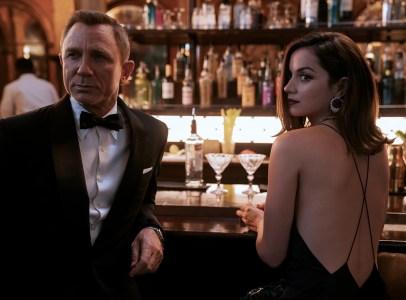 За первый уикэнд кинопроката «007: Не время умирать» собрал $119,1 млн, а «Веном 2» — $103,9 млн (это больше, чем у первой части до коронавируса)