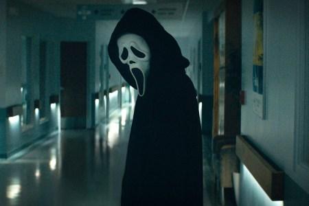 Вышел первый трейлер перезапуска хоррор-франшизы Scream / «Крик» с Нив Кэмпбелл и Кортни Кокс, премьера назначена на 14 января 2022 года