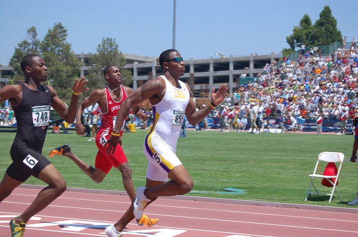 2006 NCAA. LSU's Xavier Carter wins the 400m ahead of FSU's Ricardo Chambers and Indiana's David Neville.