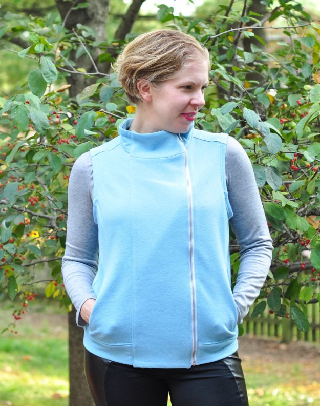 Itch to Stitch Birthday Tour - Katie's hacked Jacqueline Hoodie