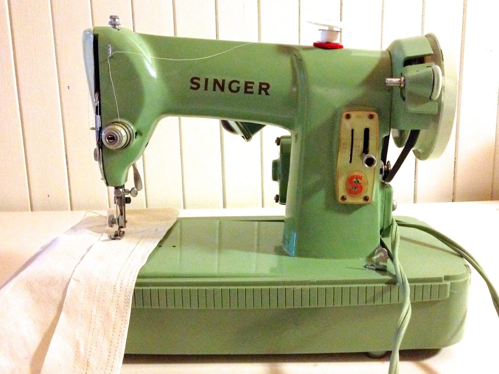 Singer 185K Vintage Sewing Machine