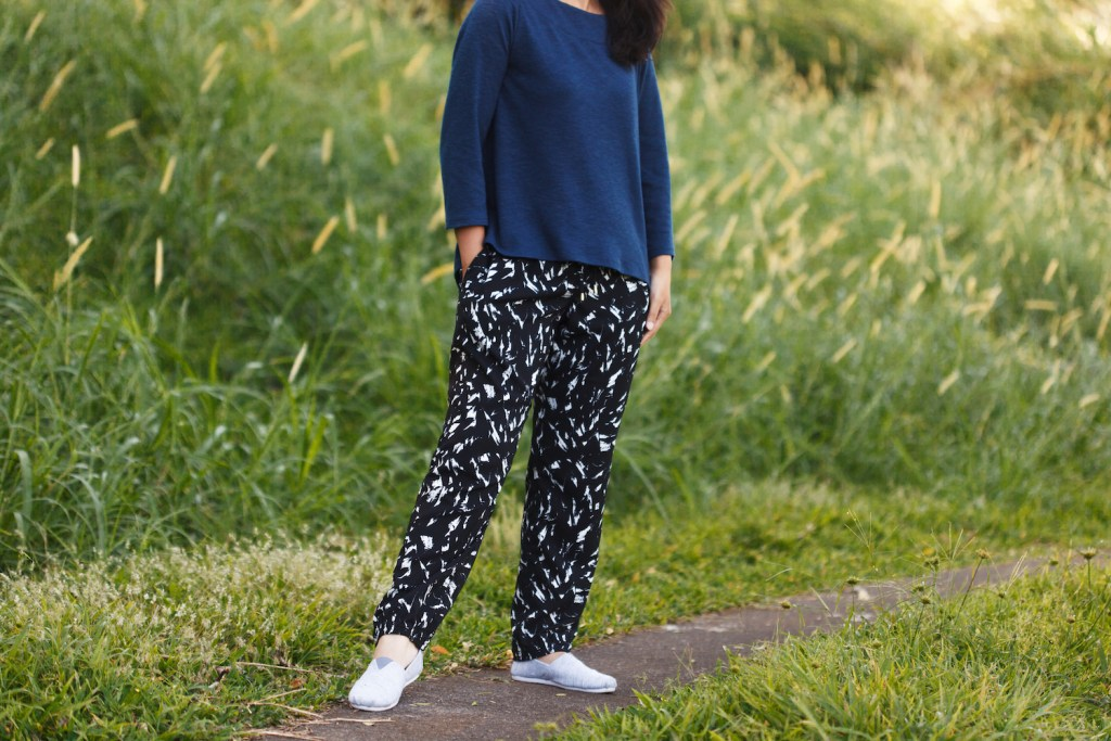Itch to Stitch Tierras Woven Joggers