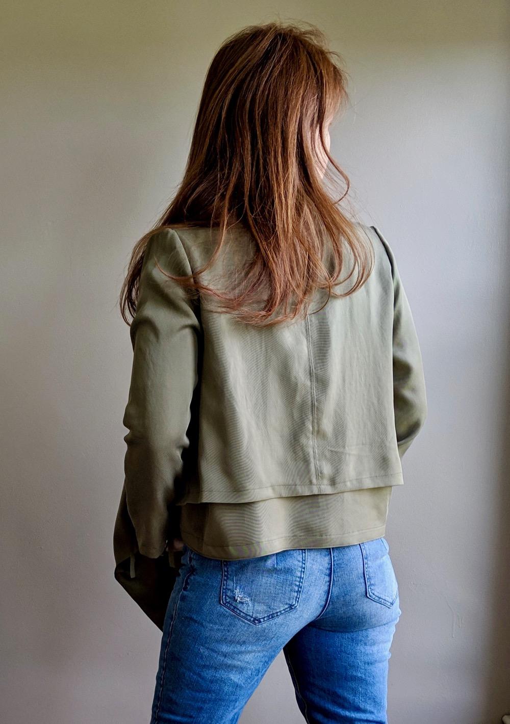 Itch to Stitch Make It Wear It Joni Hvar Jacket Back Close Up