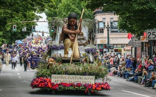 Oregon: Portland – Rose Festival Parade