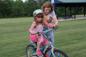 8 Tips for Teaching Your Kid How to Ride A Bike