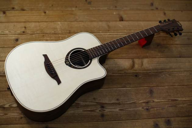 LAG T270DCE DREADNOUGHT CUTAWAY ELECTRO
