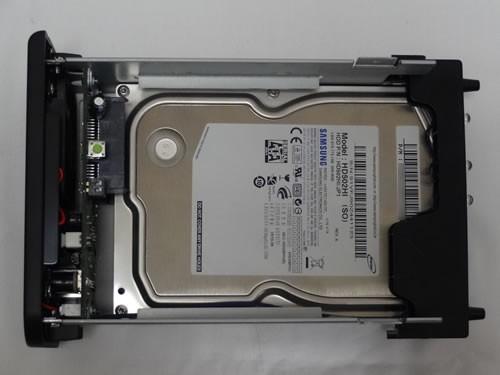 1枚目のHDDをセット