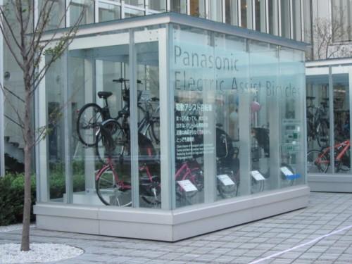 パナソニックセンター東京 入口 電動自転車