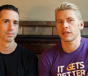 Fundadores: Dan Savage & Terry Miller