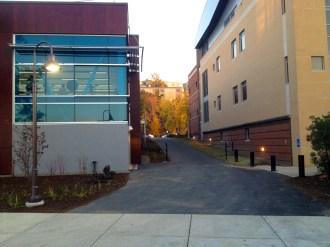 Ithaca_College_Whalen_Center_Hill_103010
